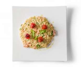 Risotto salmone, rucola e pomodorini