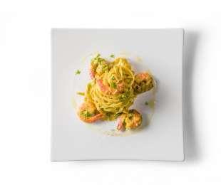 Fettuccine con mazzancolle, zucchine e zafferano