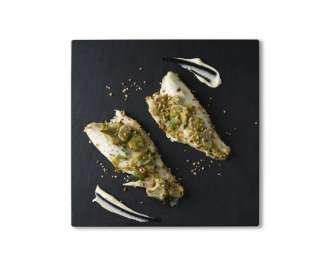 Filetto di branzino con carciofi, nocciole e erba cipollina
